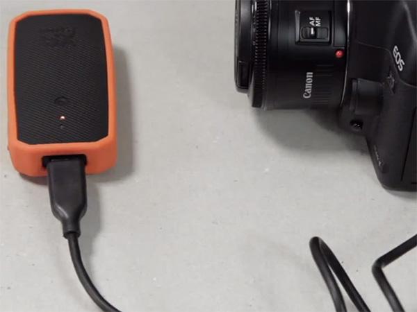 امکان WiFi به دوربین های DSLR با Weye Feye