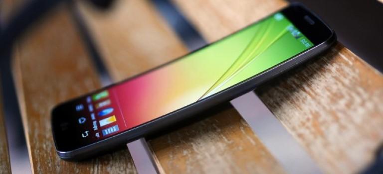 تلفن هوشمند ال جی G Flex 2 در ماه ژانویه و در CES ۲۰۱۵ معرفی خواهد شد