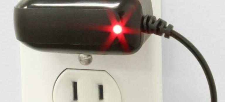 بیشتر بدانید: شارژر رها شده در پریز چقدر انرژی الکتریکی به هدر می دهد؟