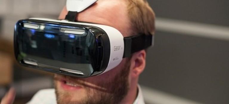 واقعیت مجازی تلفن های هوشمند را به حاشیه می راند