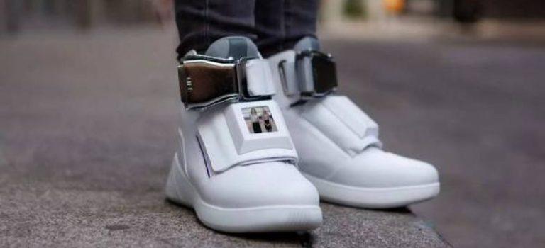 کفشی که وایفای و باتری دارد